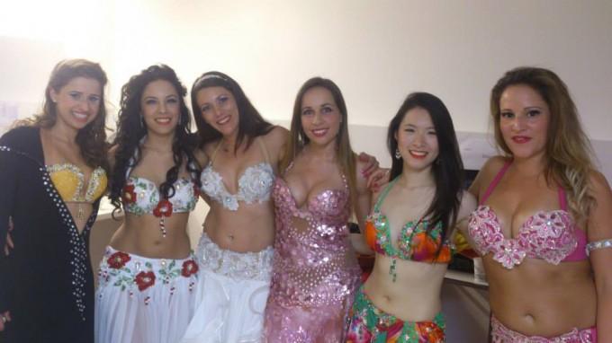 Coulisses du spectacle : Jala, Acia Legras, Stéphanie, Justine, Faith et Maya Sarsa